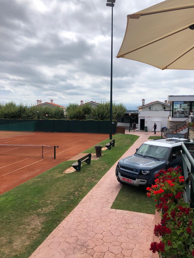 Real Club de Tenis de la Magdalena y Nuevo Land Rover Defender